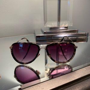 Tortoise rimmed aviator sunglasses
